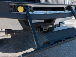 Like the F-150, the F-250 includes an integrated tailgate step with telescoping handle.