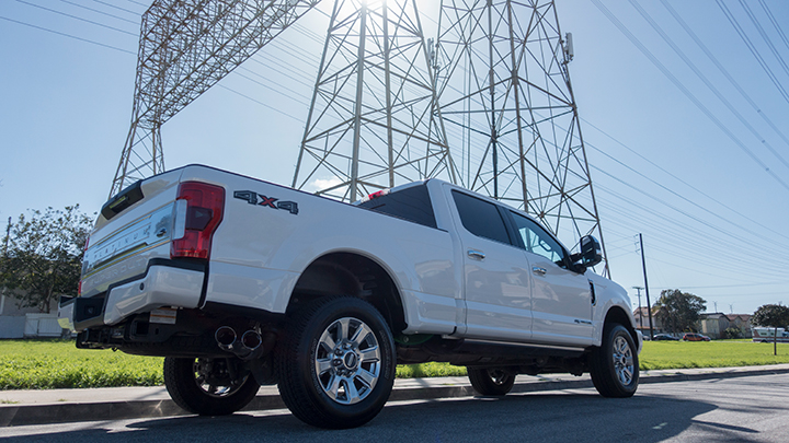 This F-250 model can tow a trailer that weighs up to 15,000pounds and 14,700 with a gooseneck...