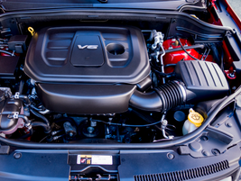 The Grand Cherokee Trailhawk is powered by a 3.6L V-6 mated to an 8-speed automatic transmission.