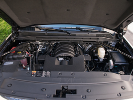 The Sierra 1500 Denali is powered by the optional 6.2L V-8.
