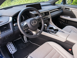The vehicle gets a new 8-speed automatic transmission for 2016.