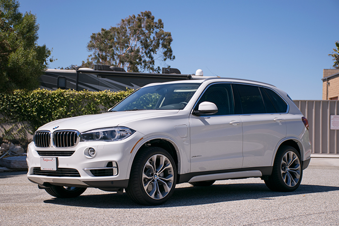 The 2016 X5 xDrive40e is a PHEV that furthers BMW's electrification initiative.