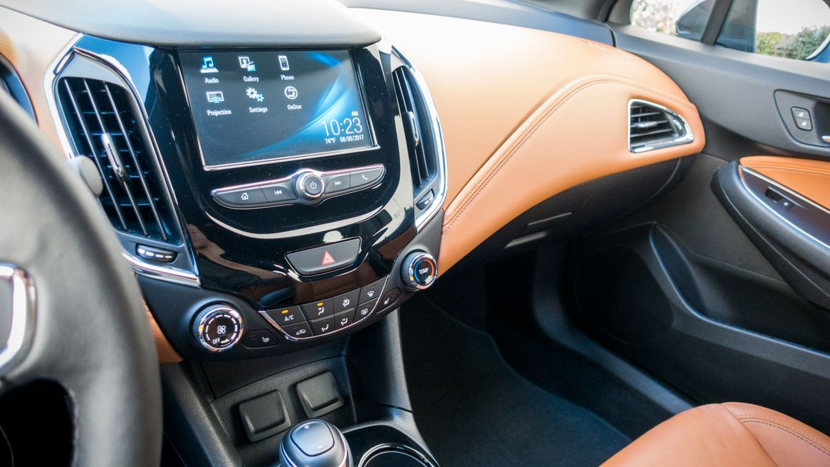 A 7-inch color touch-screen displays MyLink infotainment.