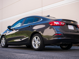The Cruze Diesel with a 9-speed automatic transmission provides 47/31/37 mpg in...