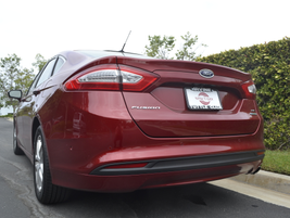 The SE trim level is the most popular with fleet purchasers.