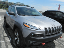 The 2014 Jeep Cherokee has a new nine-speed automatic transmission that's standard with either...
