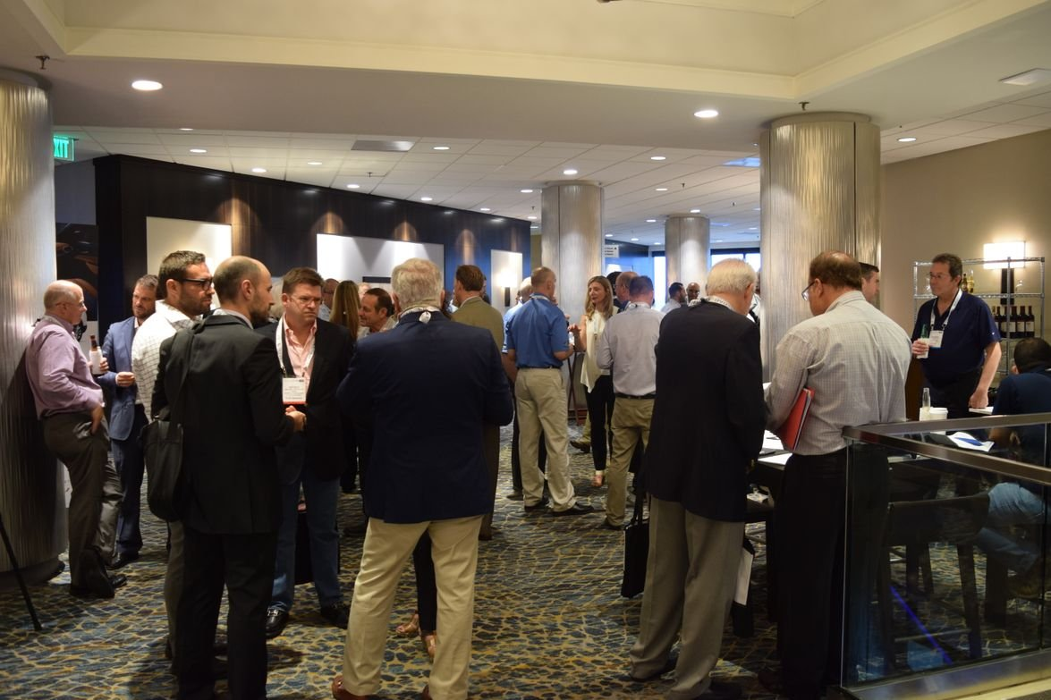 Attendees mingle at the opening reception of the 2017 Global Fleet Conference.