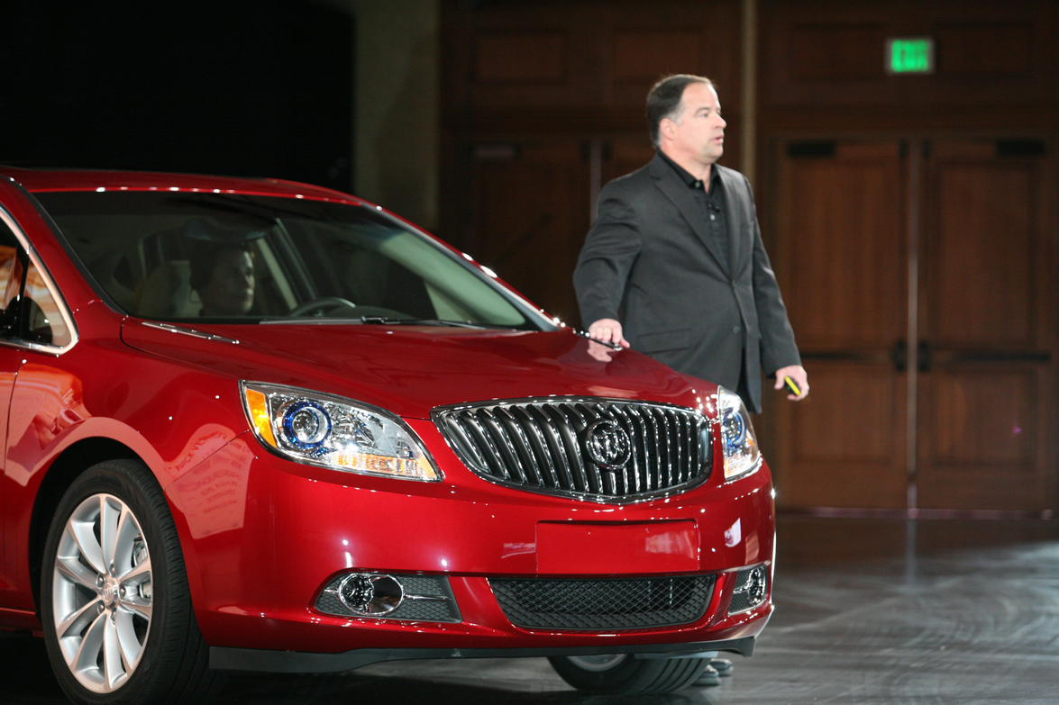 GM's Tony DiSalle discusses the Buick Verano to attendees.