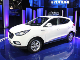 Hyundai will begin offering its 2015 Tucson Fuel Cell vehicle in the spring at several Southern...