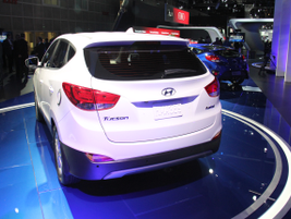 The Tucson Fuel Cell vehicle will offer a range of up to 300 miles, according to Hyundai.