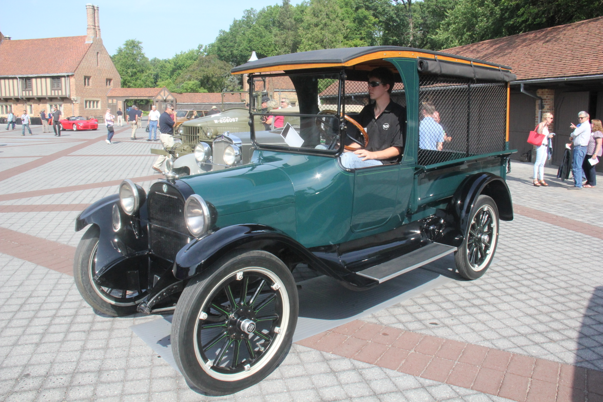 The 1920 Screenside had the same wheelbase as the passenger car, but the chassis was longer,...