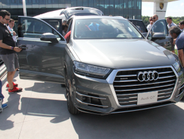 Fleet managers got a preview of the redesigned 2017 Q7 SUV that will arrive in the first quarter...