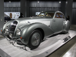 The 1938 Bentley 4 1/4-Liter Embiricos used aluminum body work to create a fashionable streamline.