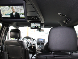This model included a dual DVD Blu-Ray rear entertainment option using 9-inch VGA screens...