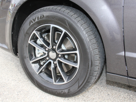 This model gets 17-inch aluminum alloy wheels.