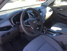 The longer wheelbase allows for a more open execution of the in-cabin interior.