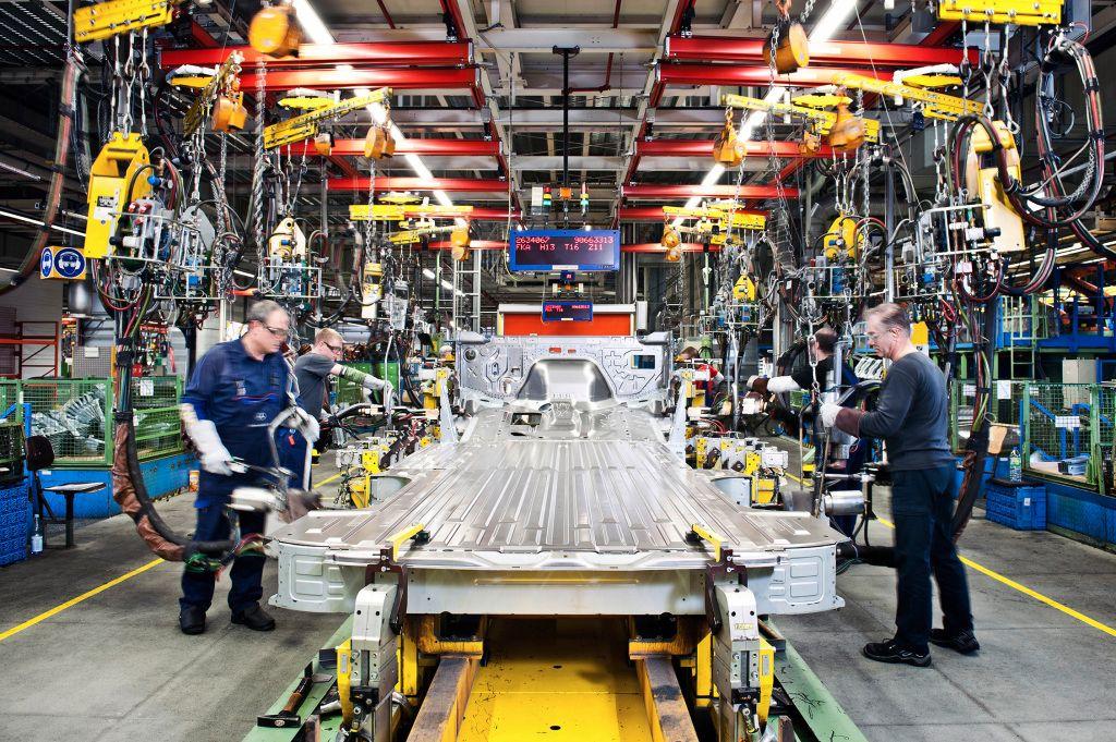 Journalists toured the Dusseldorf Sprinter plant that builds 700 vans per day.