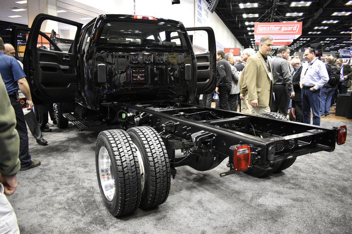 Here's a closer look at the dual rear wheels of the Silverado 4500HD.