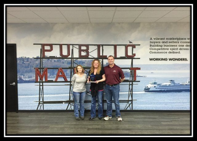2014 CPS Small Market Top Gun Award: Adesa Seattle From left: Christina Stetler, Nikki Barker...