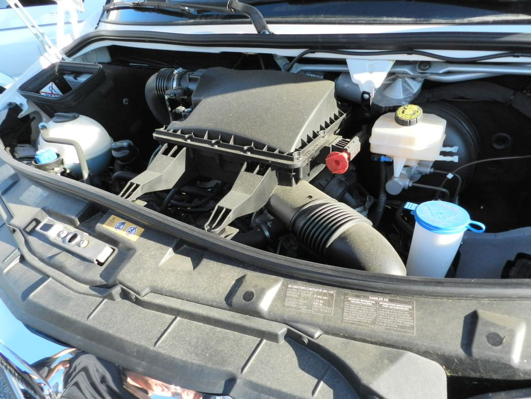 A four-cylinder diesel engine with a seven-speed automatic transmission is standard in the Sprinter.