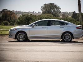 Ford's Fusion Hybrid Sedan
