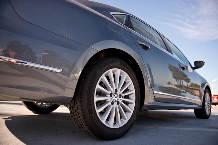 All 2016 Passat trim levels now feature alloy wheels.