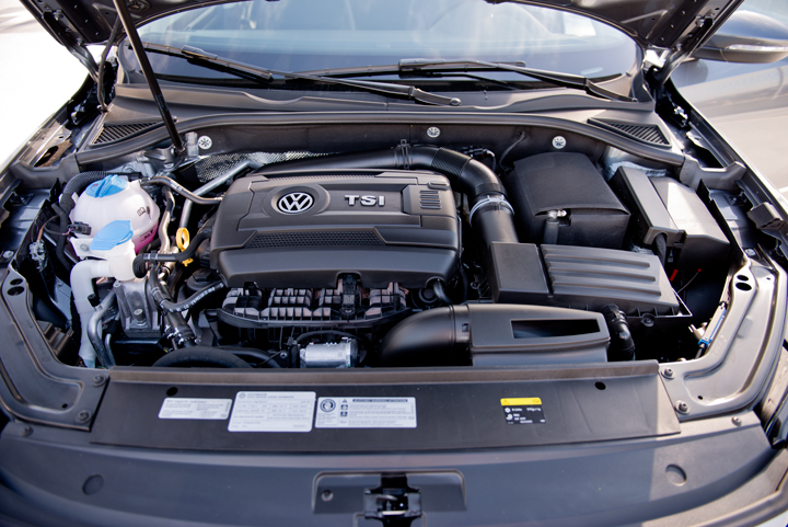 This Passat is powered by the 1.8L TSI mated to a 6-speed automatic transmission.