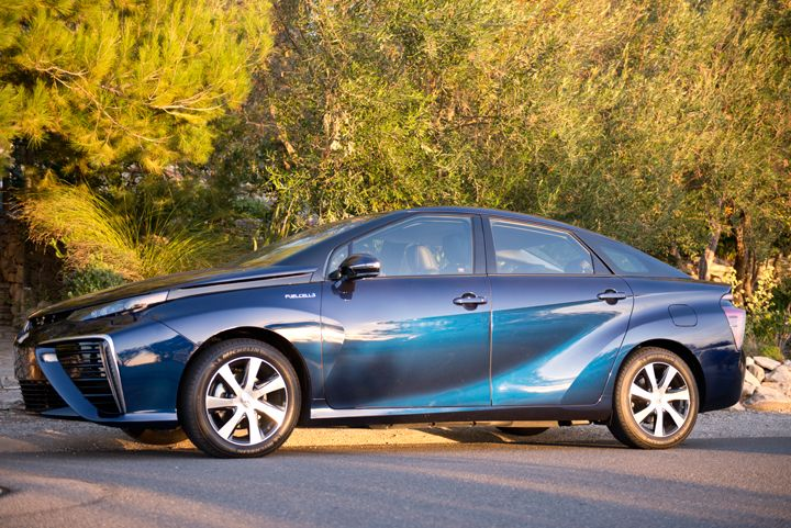 The Mirai measures 193 inches, which is comporable to other mid-size sedans.
