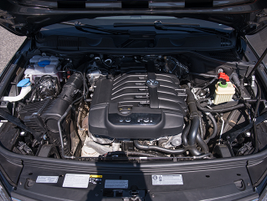 The Touareg is powered by a 3.6L VR6. No other engine options are offered.