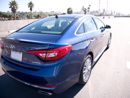 The Sonata Limited includes a panoramic sunroof with tilt and slide controls.