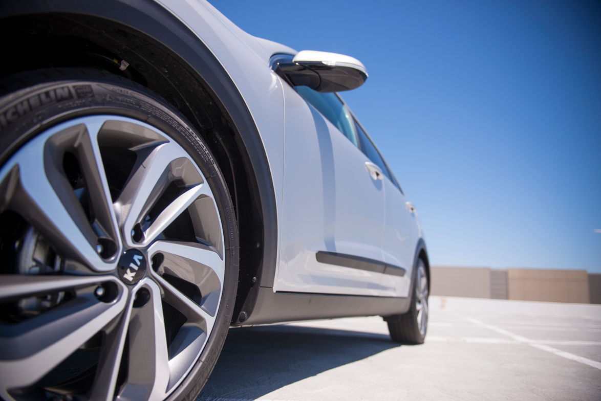 The Niro Touring rides on 18-inch alloy wheels.