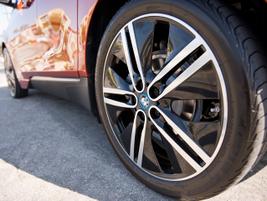 The Giga World i3 gets 20-inch alloy wheels.