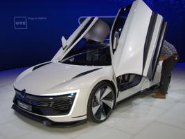 Volkswagen's Golf GTE Sportconcept plug-in hybrid