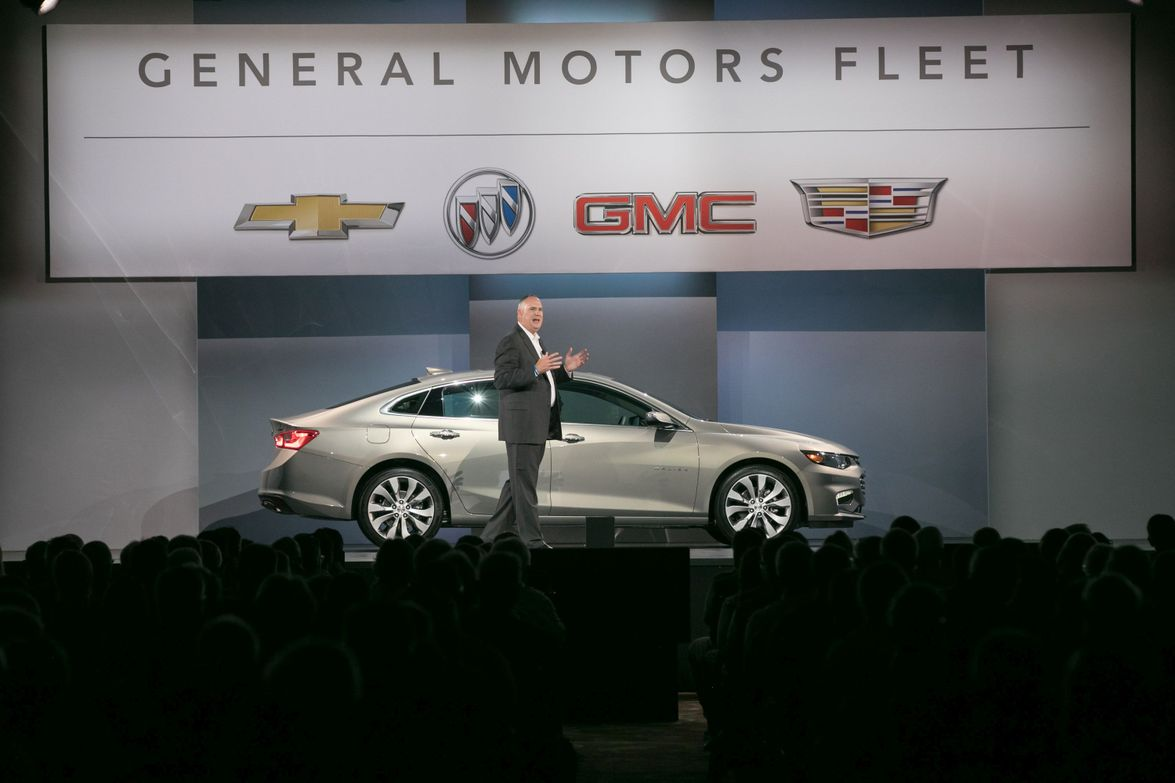 Ed Peper, U.S. vice president, General Motors Fleet, opened the general session of the summit.
