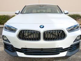 The X2'skidney grille welcomes it to the BMW family.