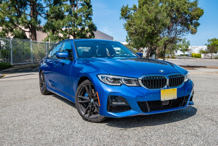 The 330i offers three driving modes, including Sport, Comfort, and Eco Pro.