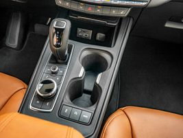 A nine-speed automatic transmission has been well calibrated in the powertrain for a smooth drive.