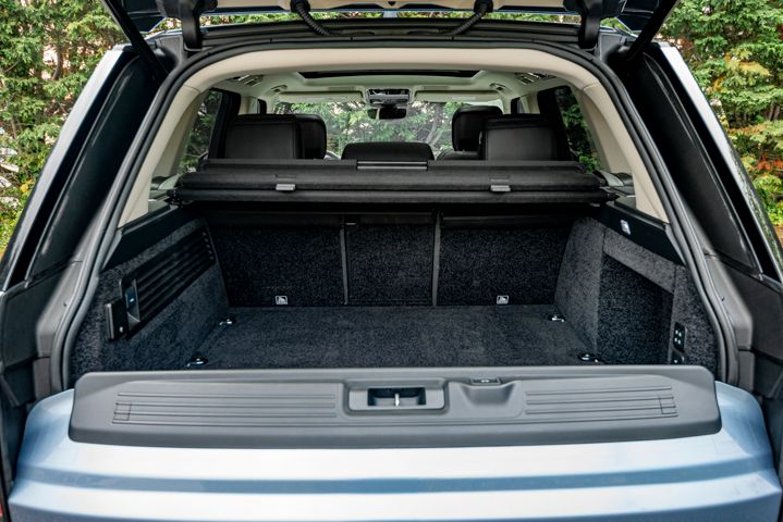 The rear liftgate can be set up in various configurations.