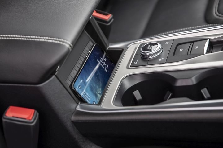 The Explorer ST includes a wireless charging pad located behind a dial to adjust terrain modes.