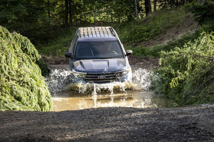 The Explorer XLT can traverse through up to 18 inches ofwater.