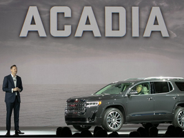 Duncan Aldred introduced the 2020 GMC Acadia available with a 2.0L turbo engine and 9-speed...