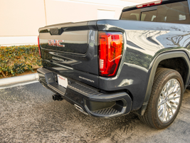 GMC's 2019 Sierra 1500 adds the MultiPro tailgate on the SLT and Denali trims.