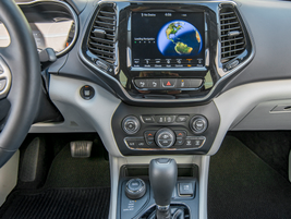 The Cherokee Overland 4x4 is fitted with an 8.4-inch screen and fourth-generation Uconnect...