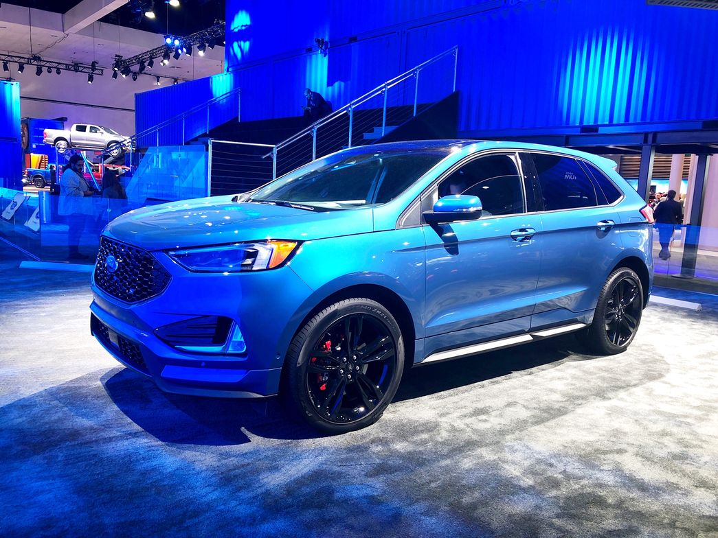 Ford's 2019 Edge ST includes a new all-wheel drive system can disconnect power to the front...