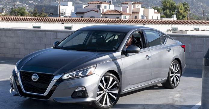 The 2019 Altima is available in six trims from the base S to SR, SV, SL, Platinum, and Edition...