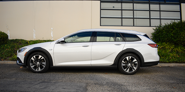 The Buick Regal TourX is a good-looking vehicle.