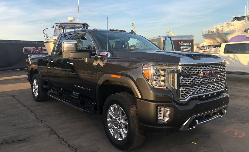 Compared to the current model, the 2020 Sierra Heavy Duty has a longer wheelbase, more dominant...