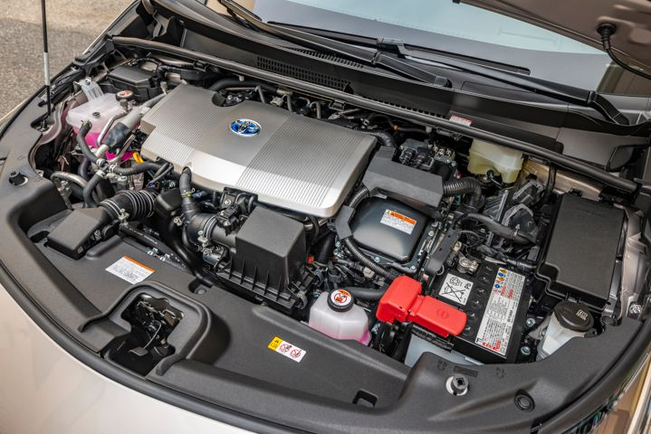 A 1.8L four-cylinder gasoline engine is paired with two electric motors to achieve 121 hp.