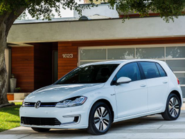 The 2019 Volkswagen e-Golf provides 125 miles of range and retails for $31,895.