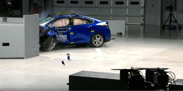 Chevrolet Volt Excels in Crash Tests